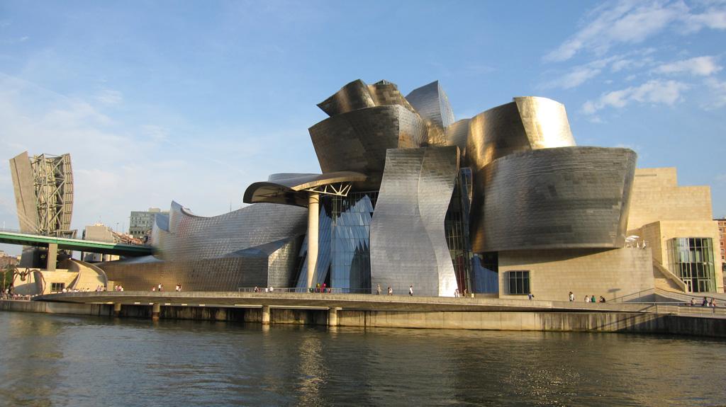 Guggenheim Museum in Bilbao – immergrünes Baskenland und Marques-Riscal im Rioja
