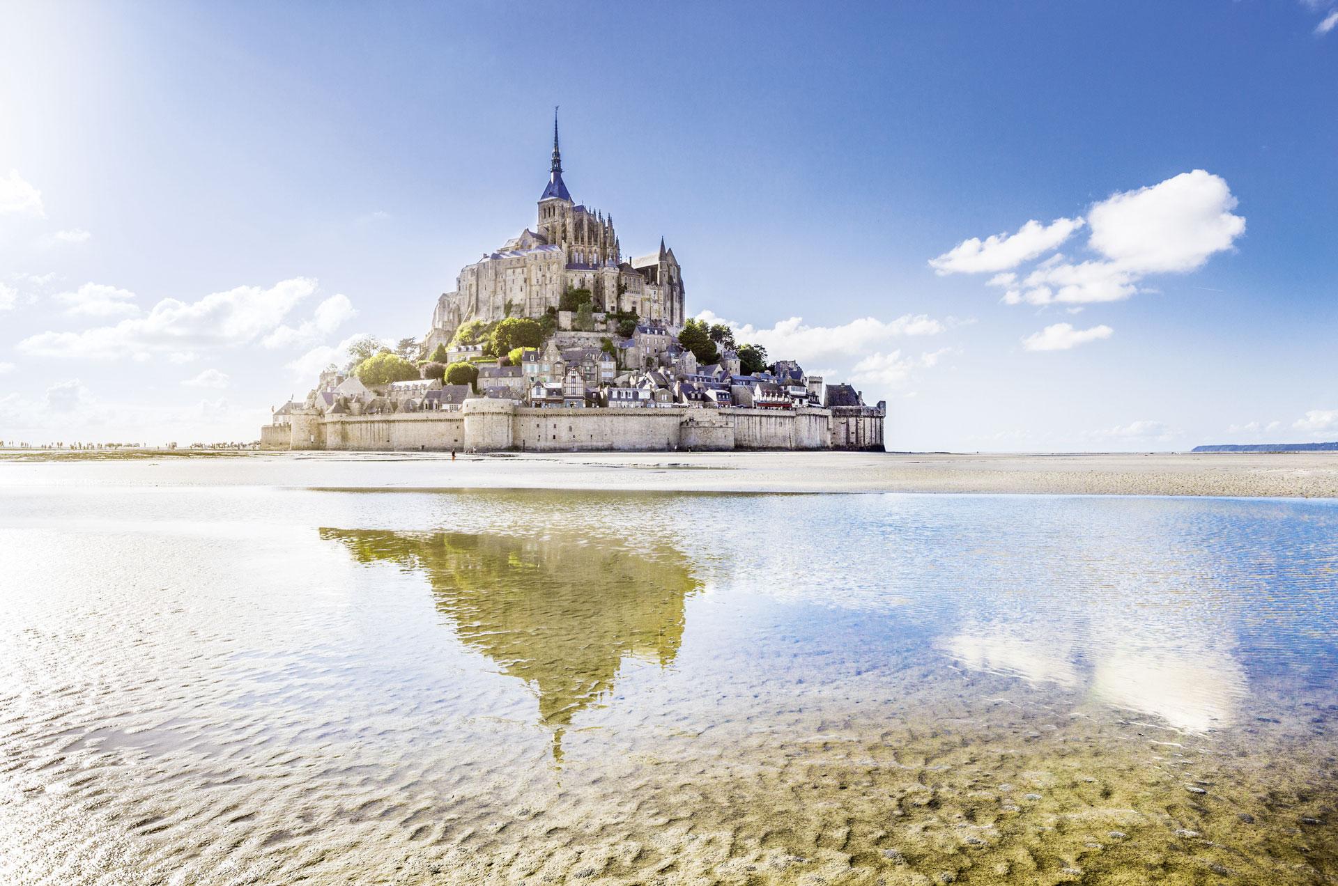 Bretagne: Atem des Meeres – Schlösser – Gärten – und mystische Steine