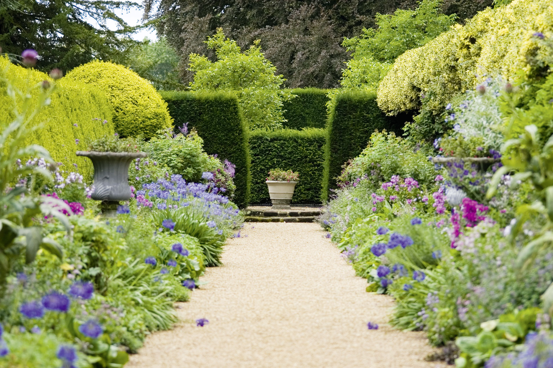 Englische Gärten wie aus dem Bilderbuch
