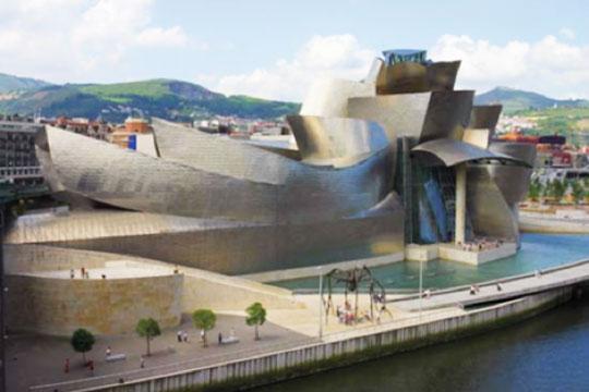 Guggenheim Museum in Bilbao immergrünes Baskenland und Marques-Riscal im Rioja